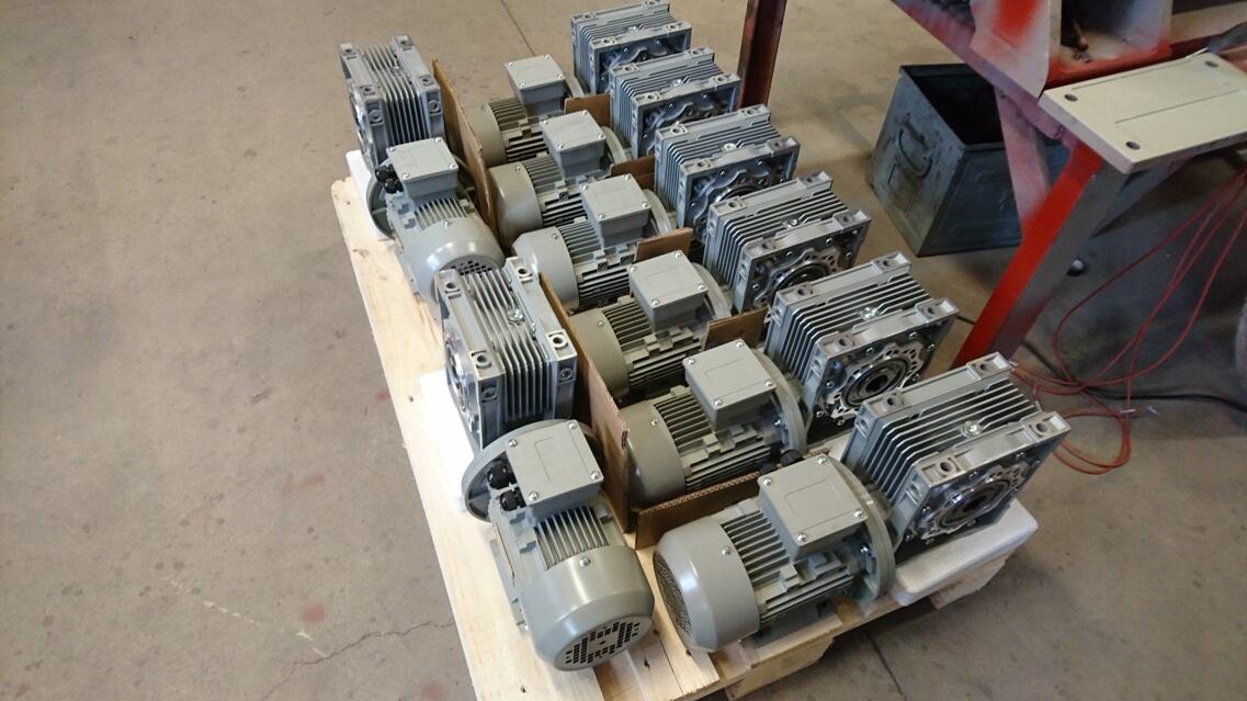 pohľad na výrobky zhora VYBO Electric